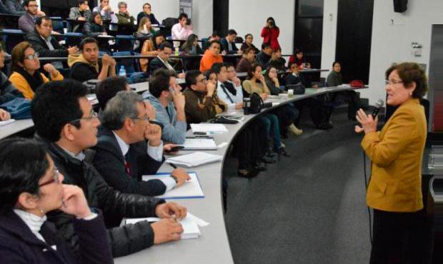 "EPE - UPC dictó conferencia ""El ABC del Mercado de Valores"""