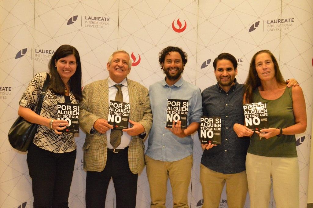 Egresados de Publicidad de la UPC, reconocidos internacionalmente, publicaron libro