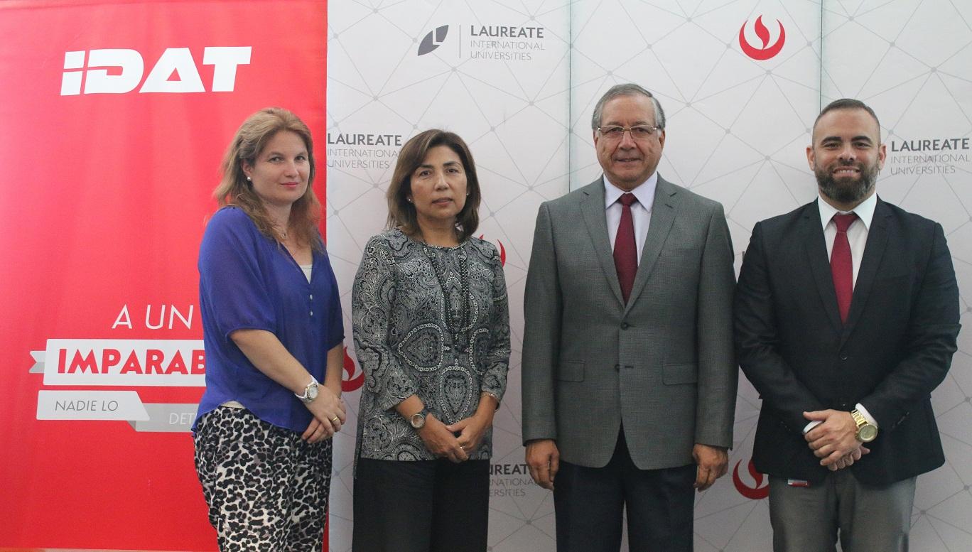 EPE de la UPC e IDAT firmaron importante convenio de cooperación académica