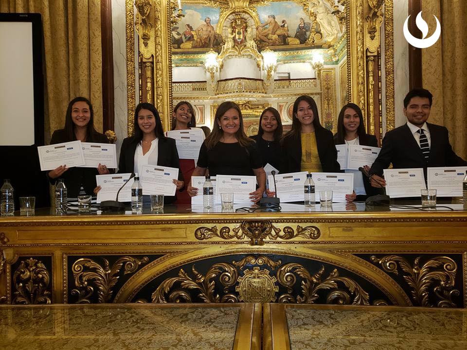 Alumnos de la facultad de derecho ocuparon el primer lugar en el Moot Madrid 2018