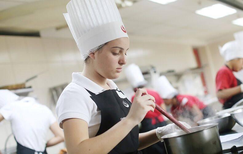 Carrera de Gastronomía y Gestión Culinaria organiza IV Concurso Interescolar de Gastronomía UPC