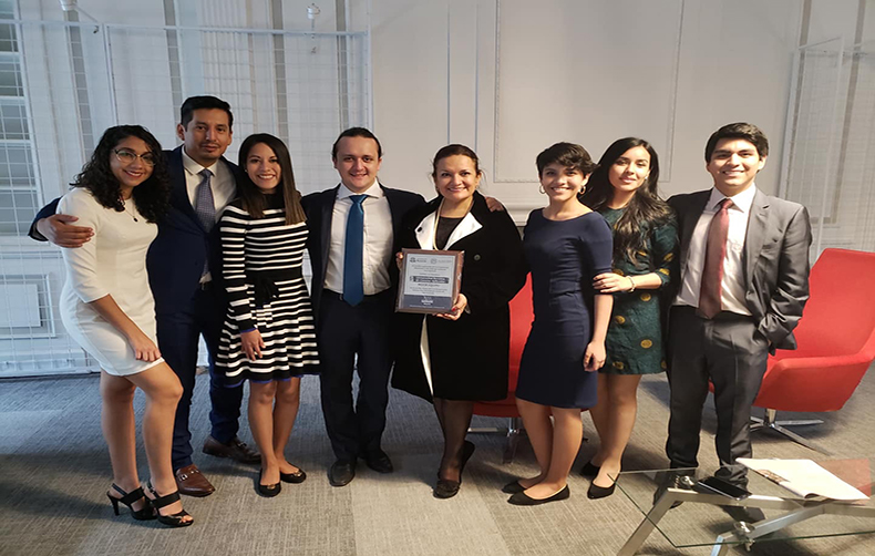 Alumnos de la Facultad de Derecho ganan XI Competencia Internacional de Arbitraje