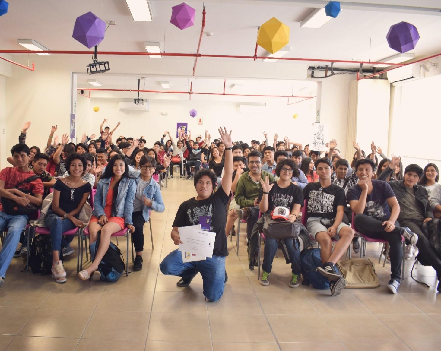Carlos Gallegos y Noxhassen: Emprendimiento que busca difundir la identidad peruana mediante sus creaciones