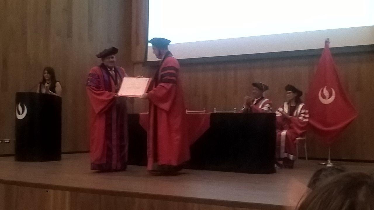 Ceremonia de otorgamiento de la distinción universitaria al Profesor Honorario Andrés Piñeiro García–Calderón