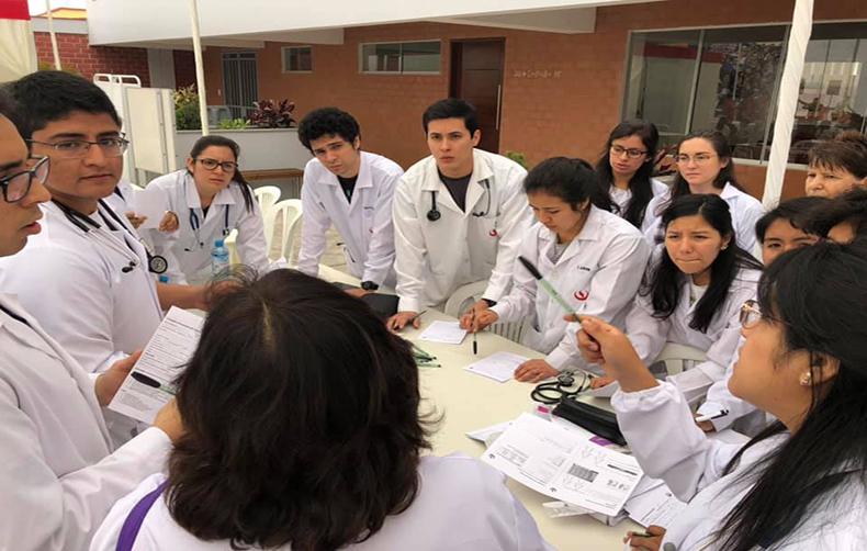 Voluntariado UPC: Estudiantes participaron una campaña preventiva de salud en el Hogar de las Bienaventuranzas