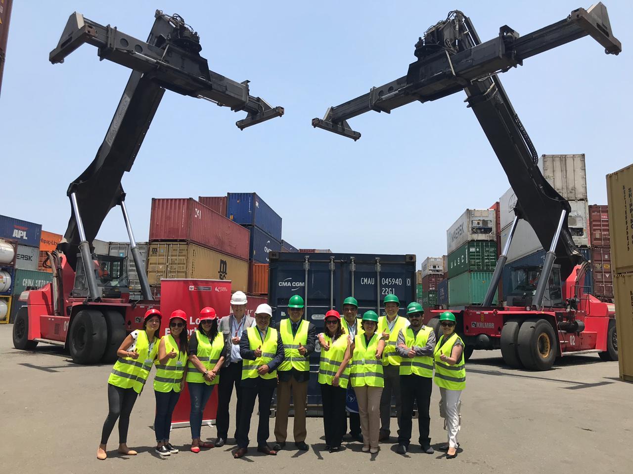 Libros de Editorial UPC forman parte de las 30,500 publicaciones peruanas enviadas en el primer contenedor con destino a México.