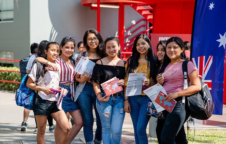UPC recibió a más de 30 instituciones extranjeras en la Feria Internacional 2019
