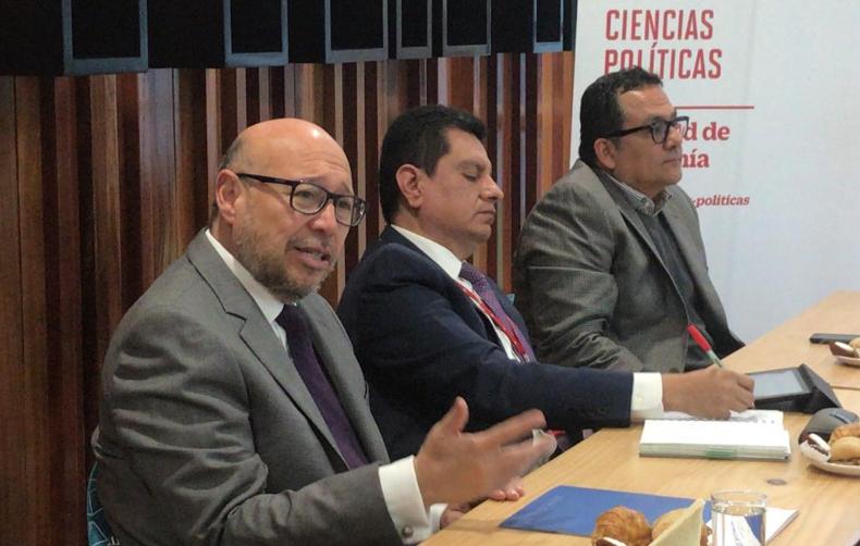 Carrera de Ciencias Políticas: Expertos analizaron la Reforma Política planteada por el Ejecutivo