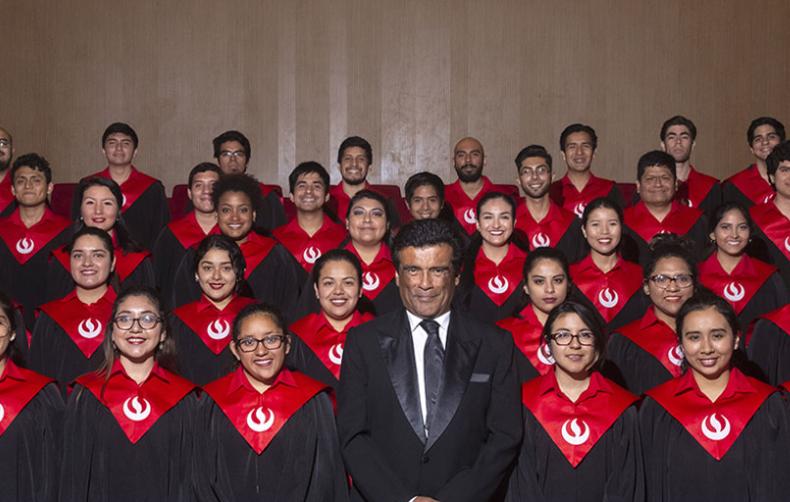 El elenco de Coro Polifónico de la UPC realizó Gran Concierto de Aniversario
