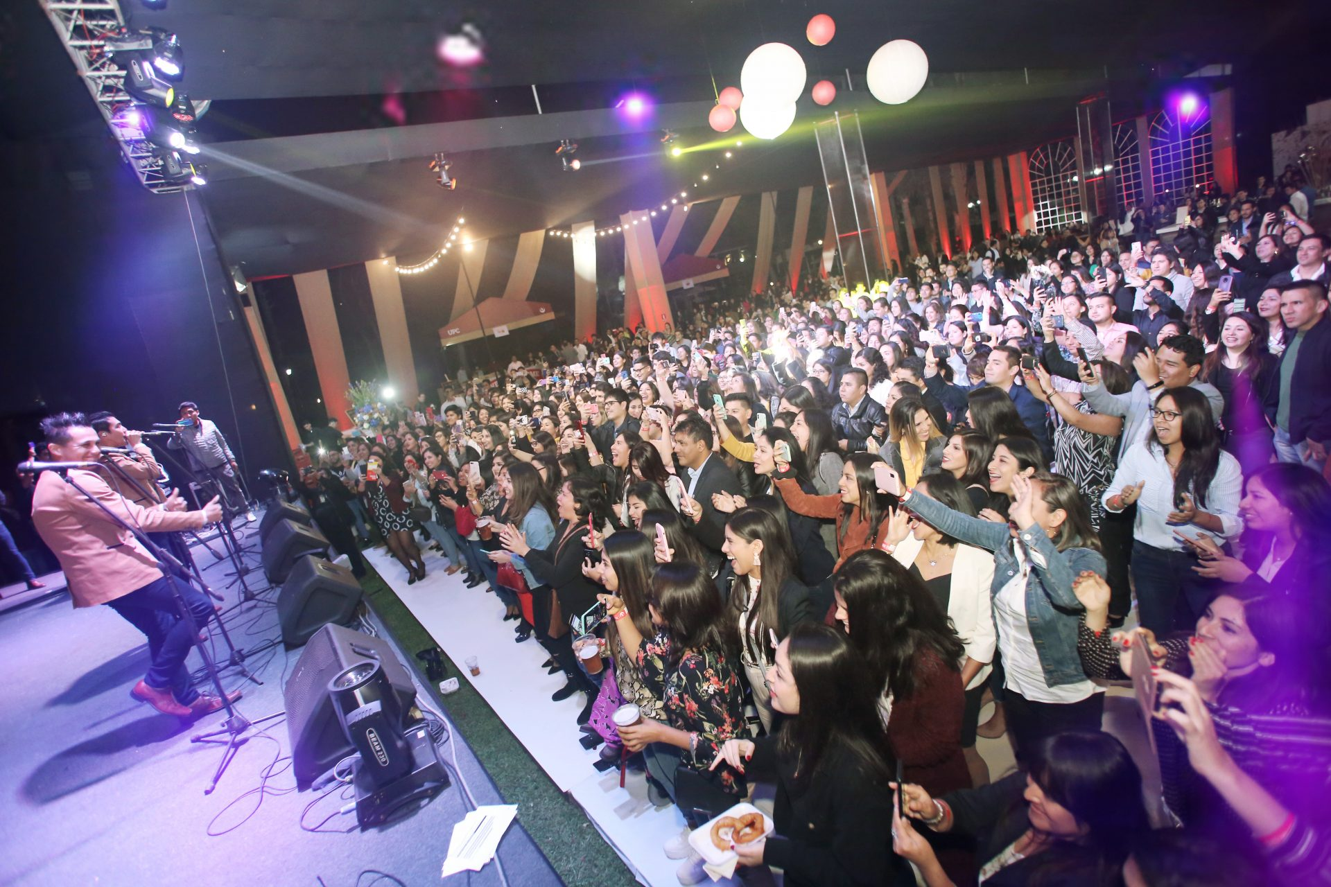 Presentación Gran Orquesta Internacional en el encuentro de egresados de la UPC