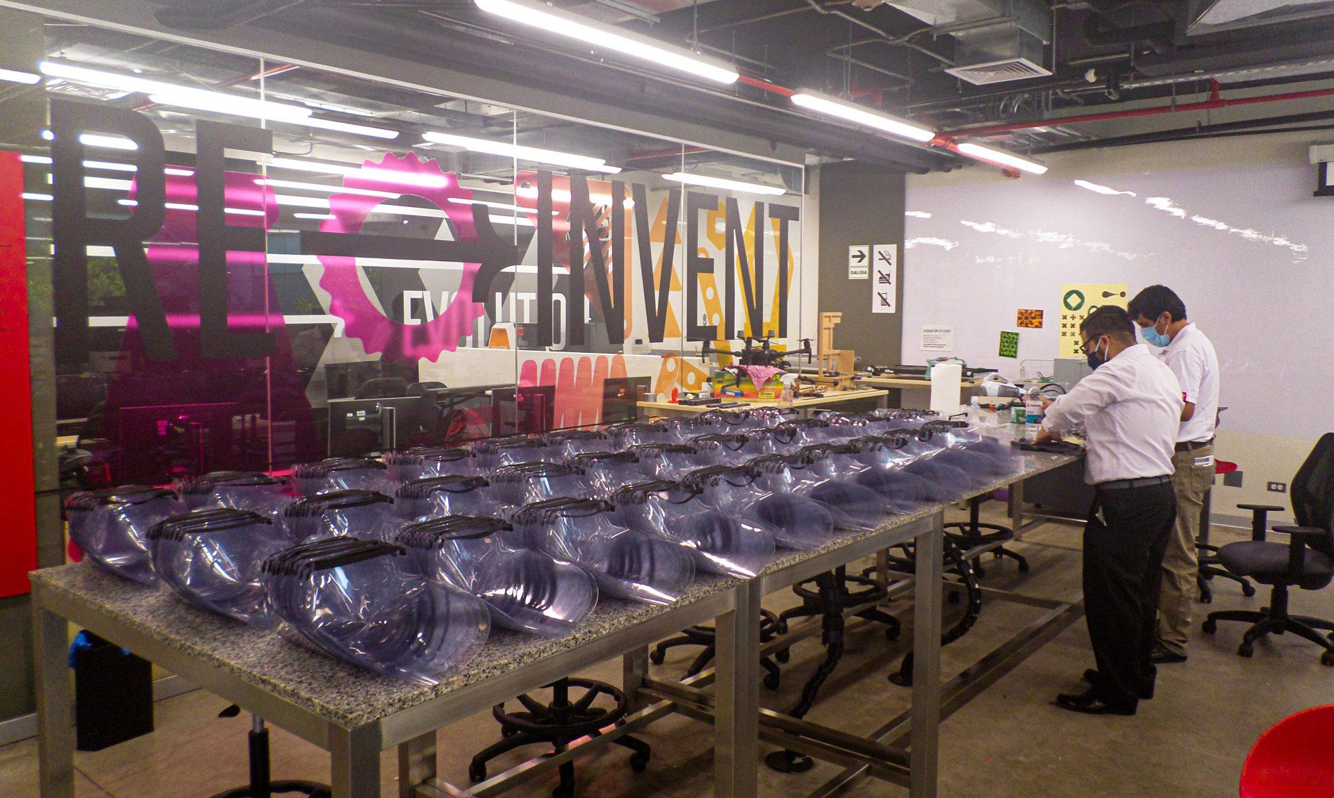 UPC abre las puertas de su FabLab para la fabricación de protectores faciales contra el COVID-19