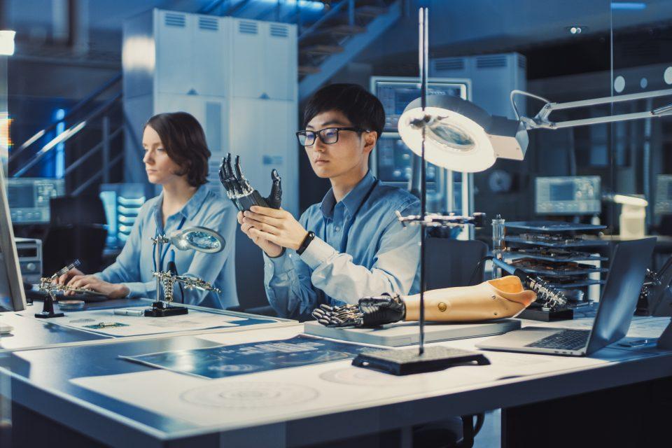 Ingeniería Biomédica: carrera que busca avances tecnológicos para mejorar la salud en el país