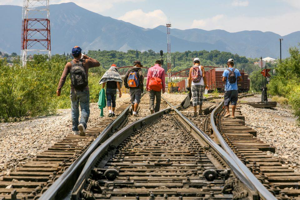 Carrera de Relaciones Internacionales organiza foro sobre la migración y los derechos humanos